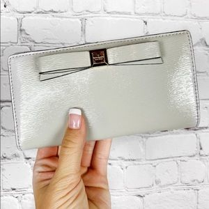 KATE SPADE Gray Bow Snap Wallet